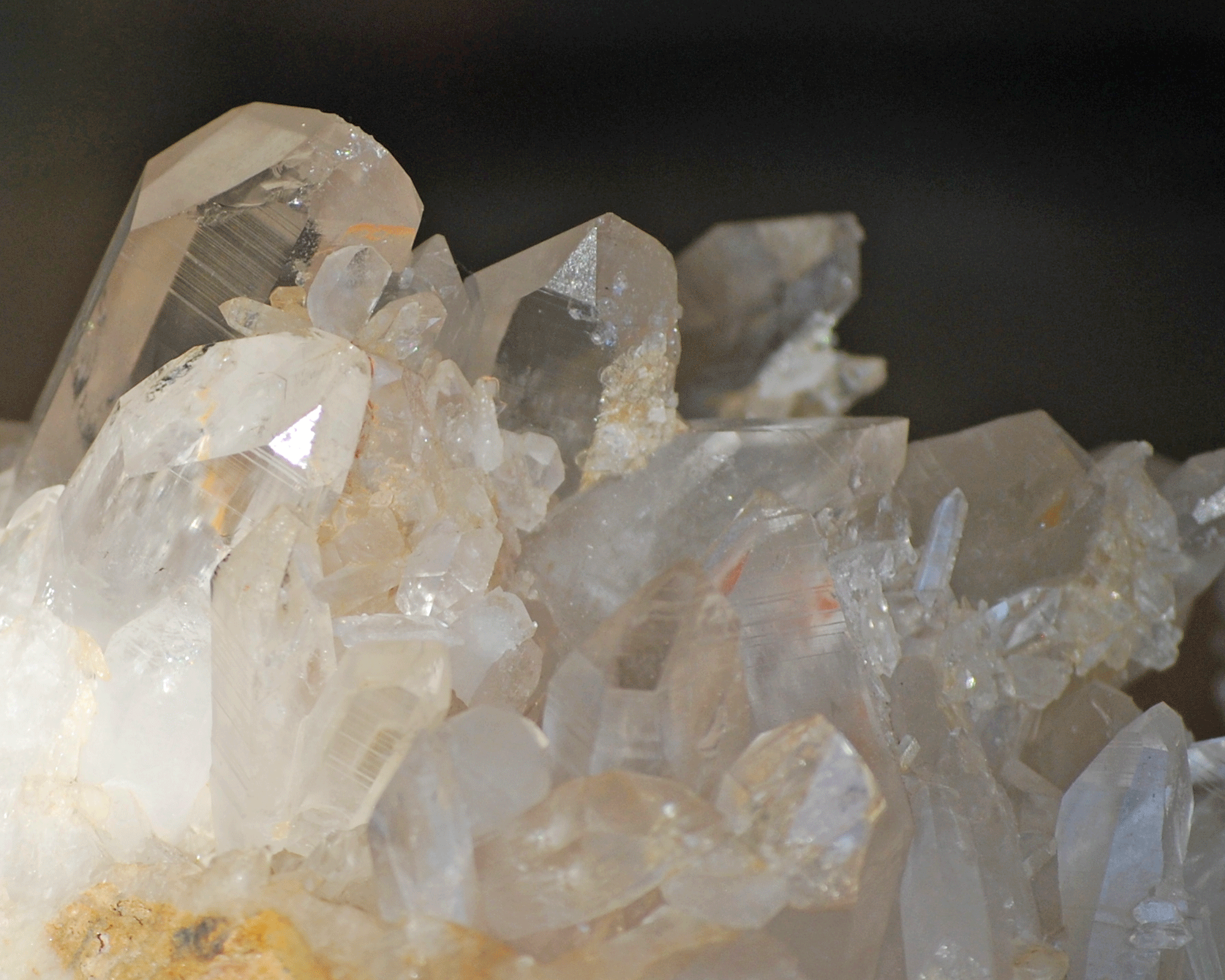 large-white-quartz-crystal-5-4.png