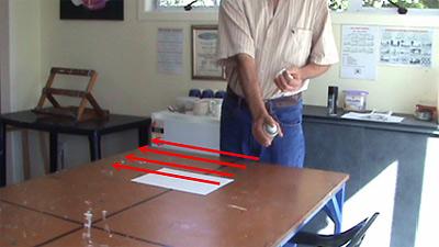 Nolan演示如何用固定剂喷涂您的图纸
