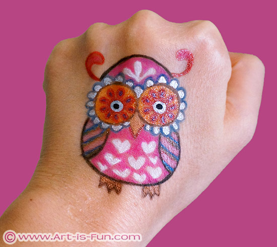 猫头鹰身体艺术涂鸦纹身