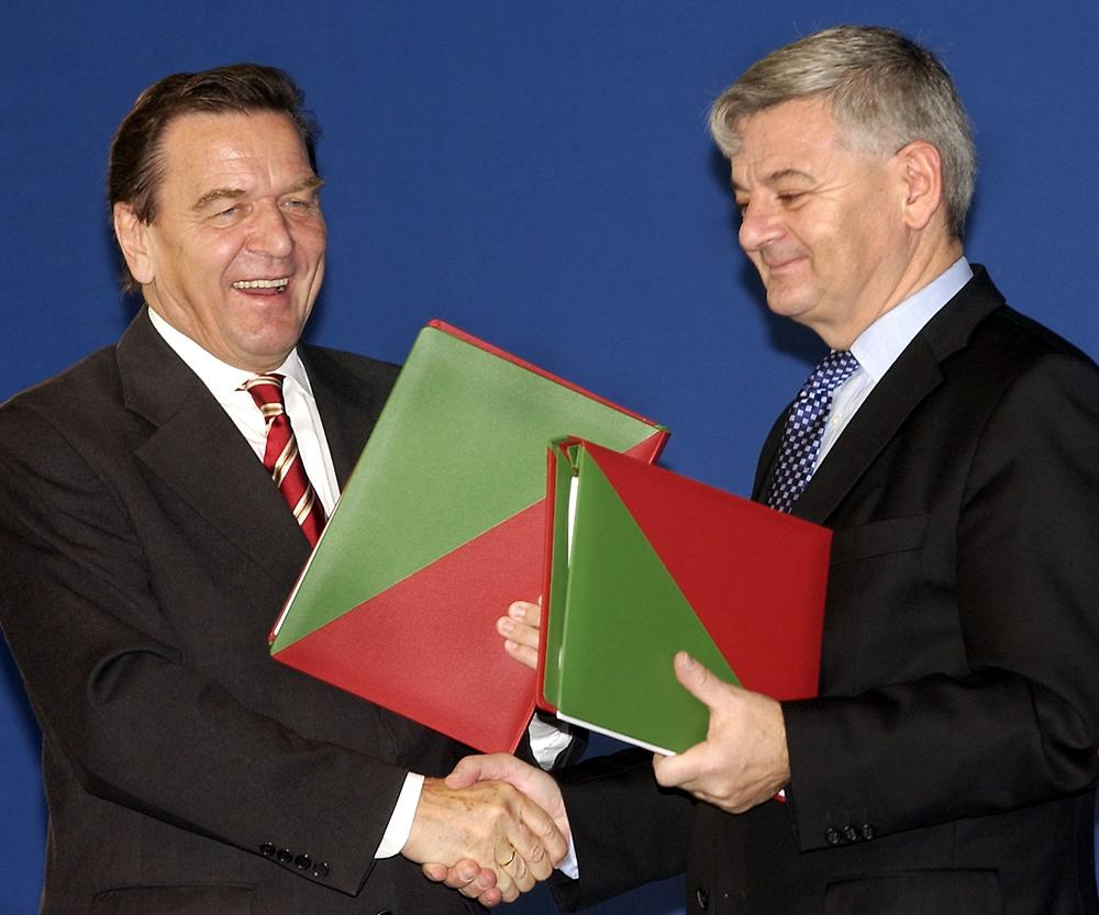 Gerhard Schröder and Joschka Fischer. Image: picture alliance / dpa