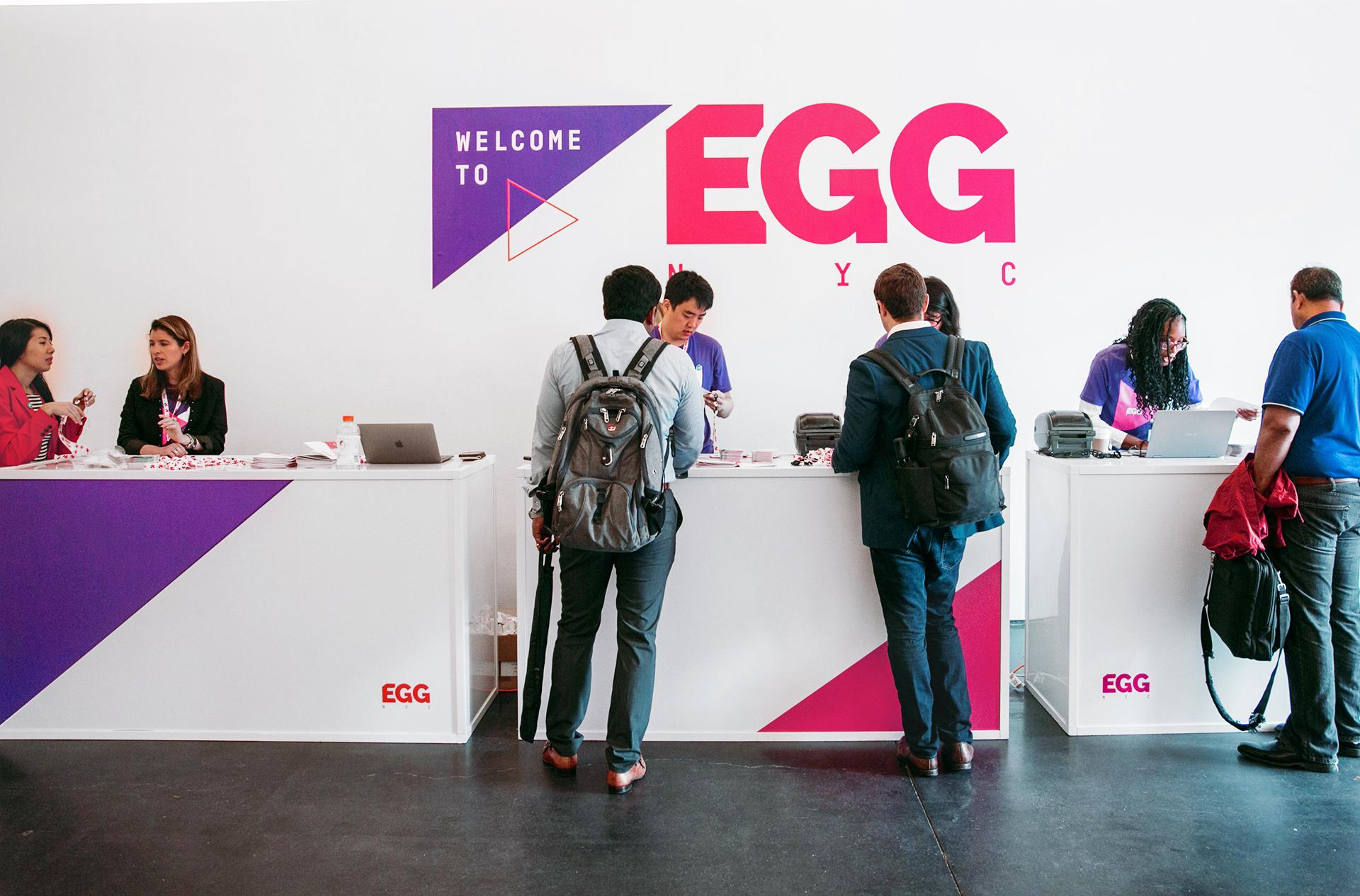 egg_regdesk.jpg