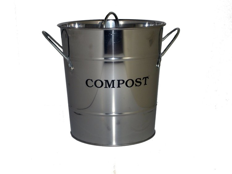 Zero waste swap 10: Start composting!! Easiest way to cut your waste by 30% www.goingzerowaste.com