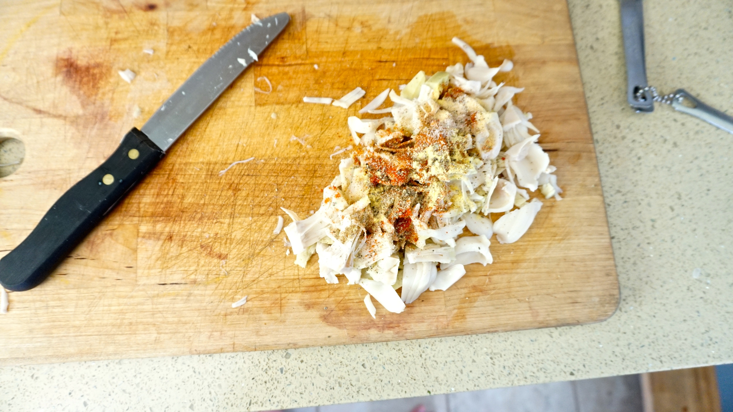 learn how to make pulled jackfruit tacos with www.goingzerowaste.com