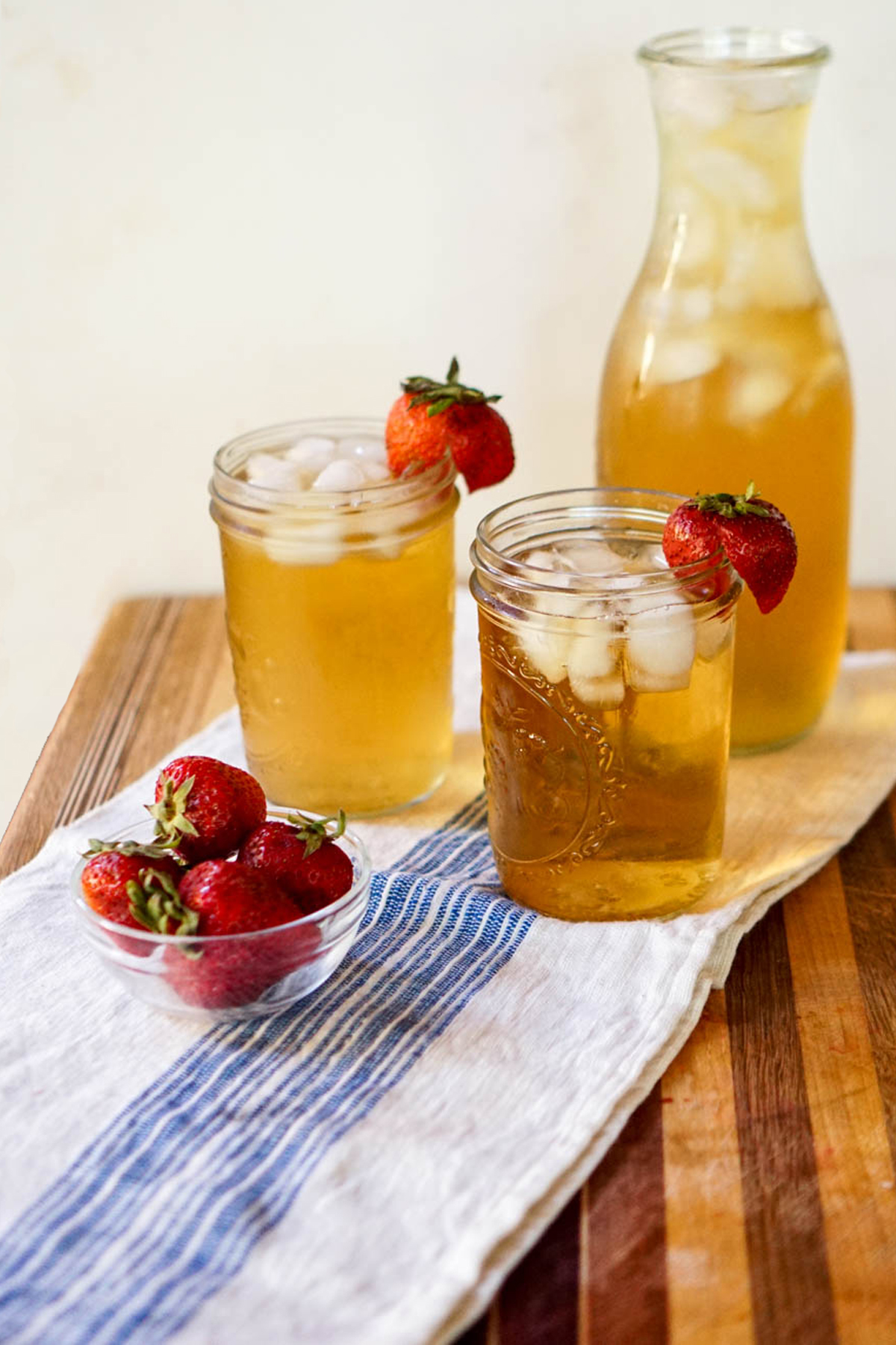 How to make iced tea with loose leaf tea from www.goingzerowaste.com