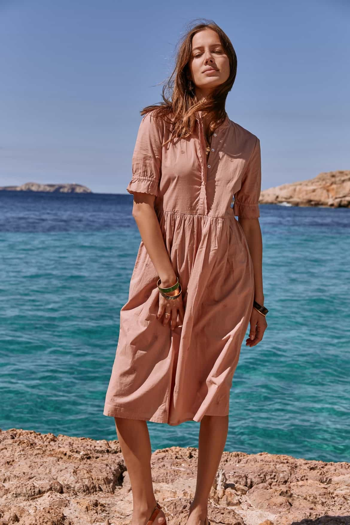 18 ethical and sustainable dresses you'll be wearing all summer long from www.goingzerowaste.com #summerwardrobe #dresses #summer #ethicalfashion #slowfashion #sustainable