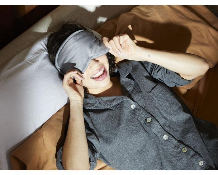 coyuchi-sateen-organic-eye-mask-coyuchi-822369_1500x-min.jpg