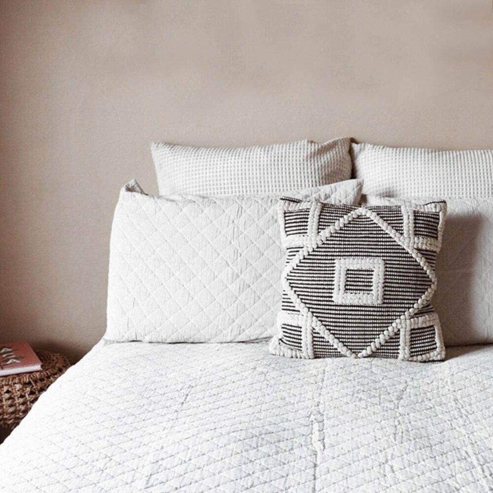pillows-min.jpg