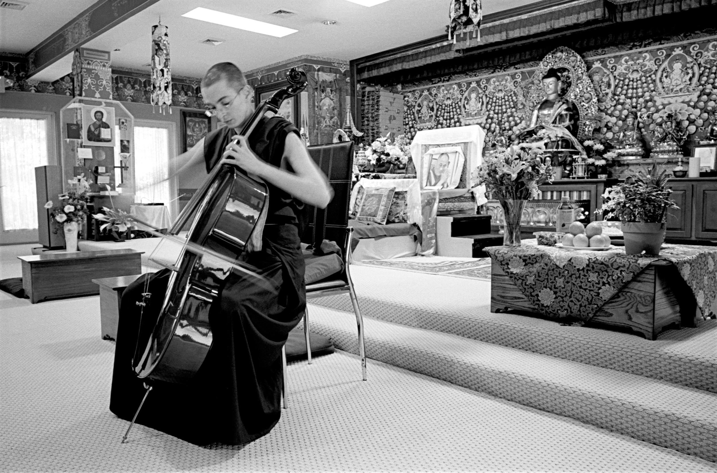 Buddhist nun Ani Choekyi gives a classical cello recital