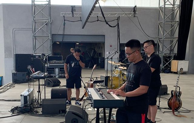 Thankful for these fellas right here: @sir_kevinchong, @dnelwan, @itsdaaaavid, @noelkunz, @andrewrose! Thank you for rocking it and sharing your talents out there with me...and especially for making me sound good! Tell you what, we had a blast playing the preshow for the @jaguars season opener! Thank you to each and one of you who came out to show some love and support! Meant the world. Also a huge thanks to @meghaparekh10, @jenntoyyy, @bwhite1192 for making it all happen and thanks to everyone that put in a word for us! Love y'all #DUUUVAL......we have something in the works 🤫📷🎥: @andrewrose