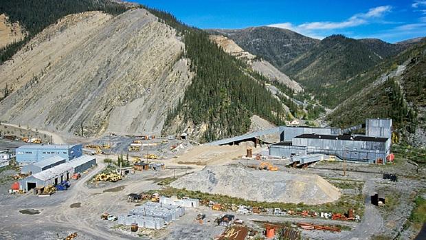 Growing impatient, Nahanni Butte starts building own road to mine — CBC Jan 30, 2017