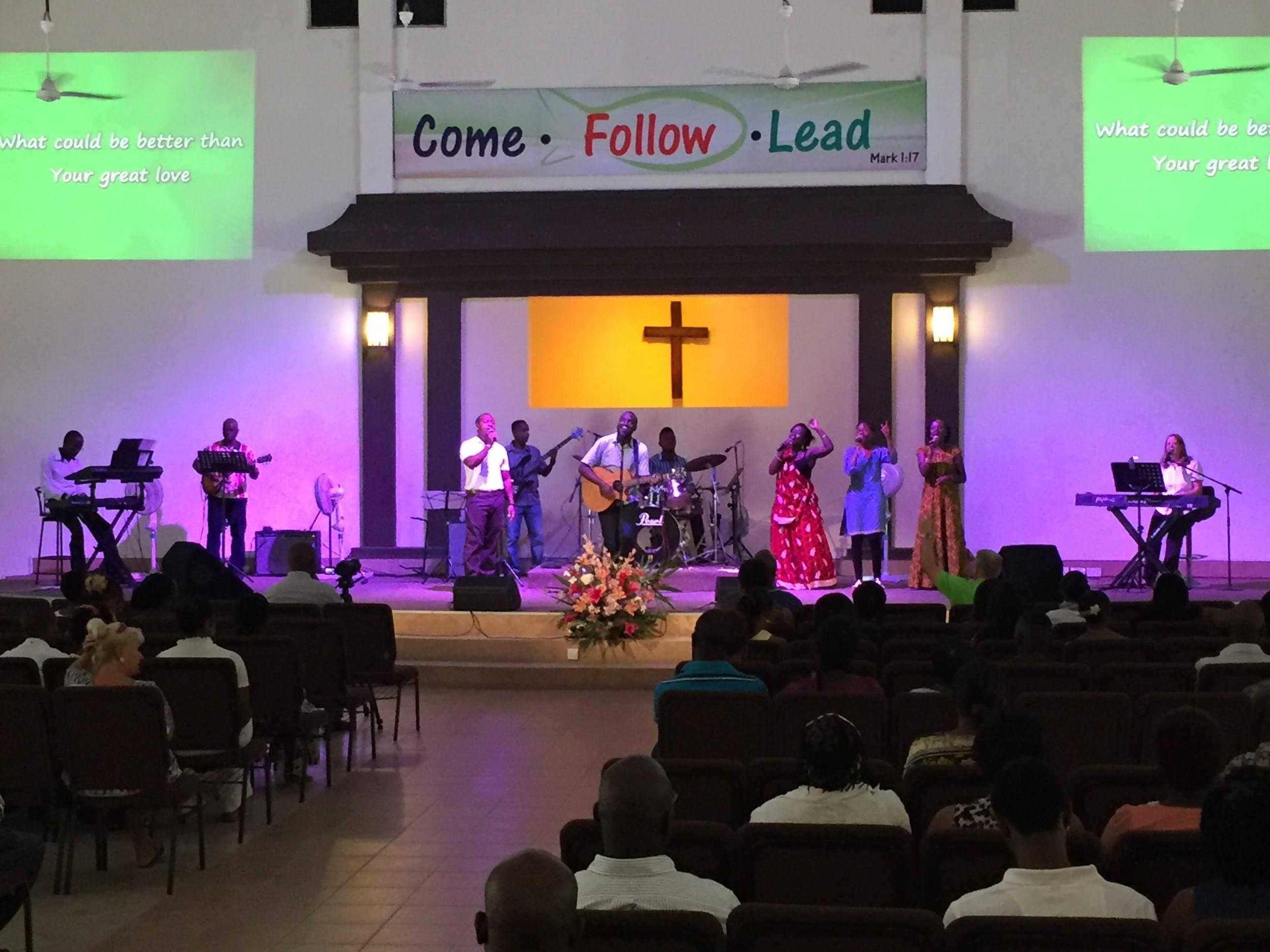 The Crossroads Fellowship worship team