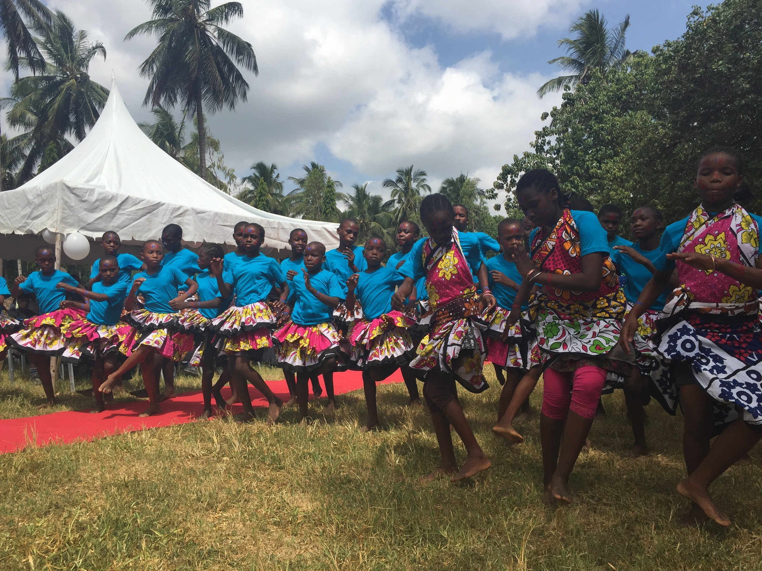 The school dance troupe performed a very energetic traditional Kenyan dance.