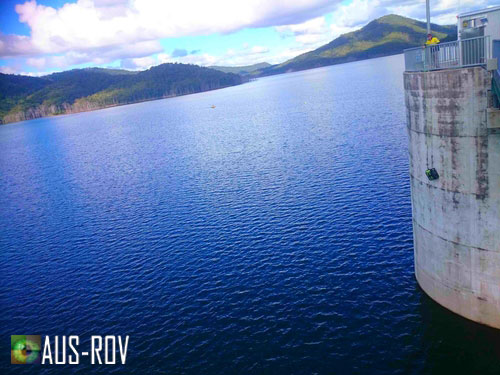 Deploying the vLBV300 ROV from the intake tower platform at Hinze Dam.