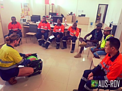 AUS-ROV Director Adrian Jahnke training PNG and Chinese Nationals in PNG.