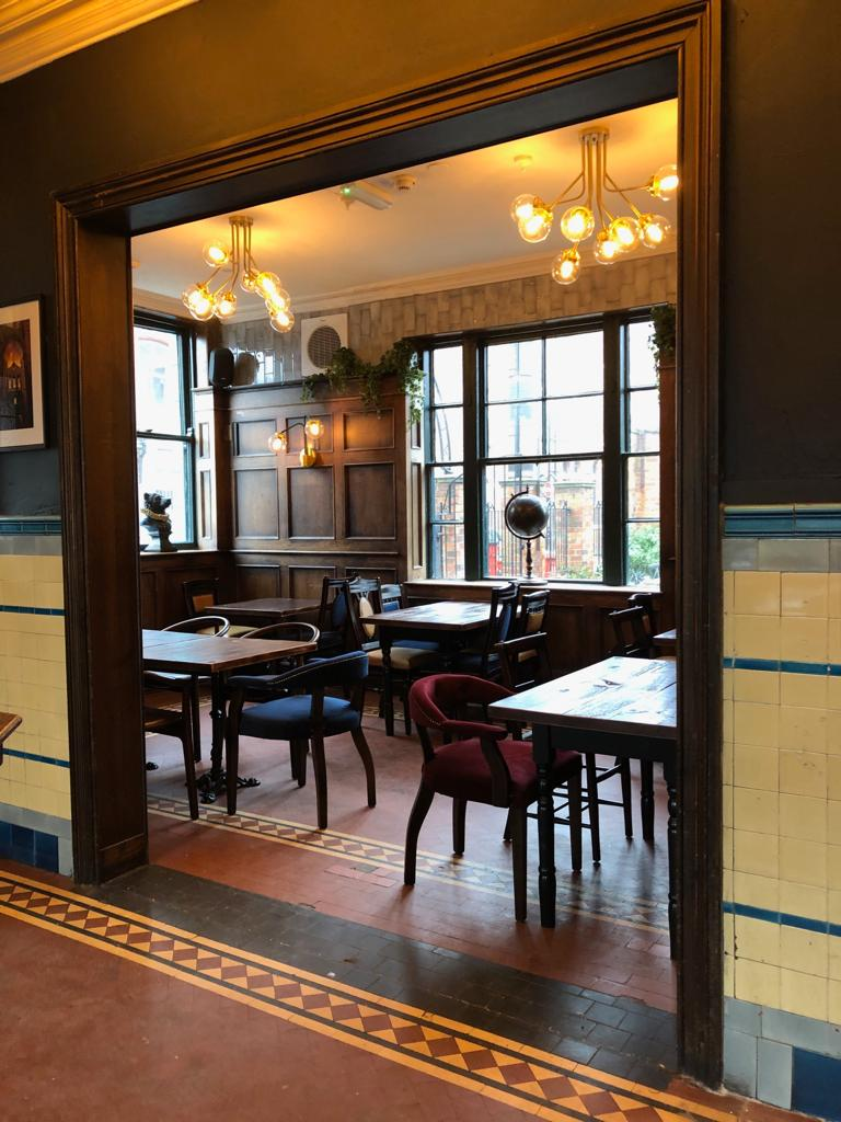 the-palace-leeds-pub-interior-design-original-features.JPG