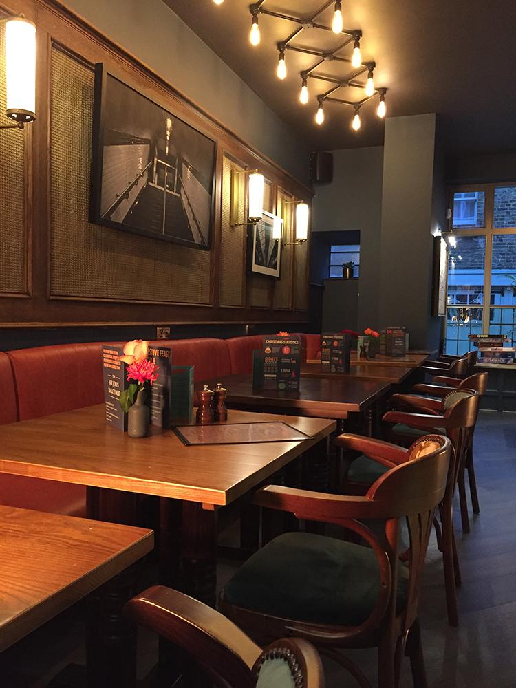 sir-john-balcombe-marylebone-dining-area-lighting-nanu-soda.JPG