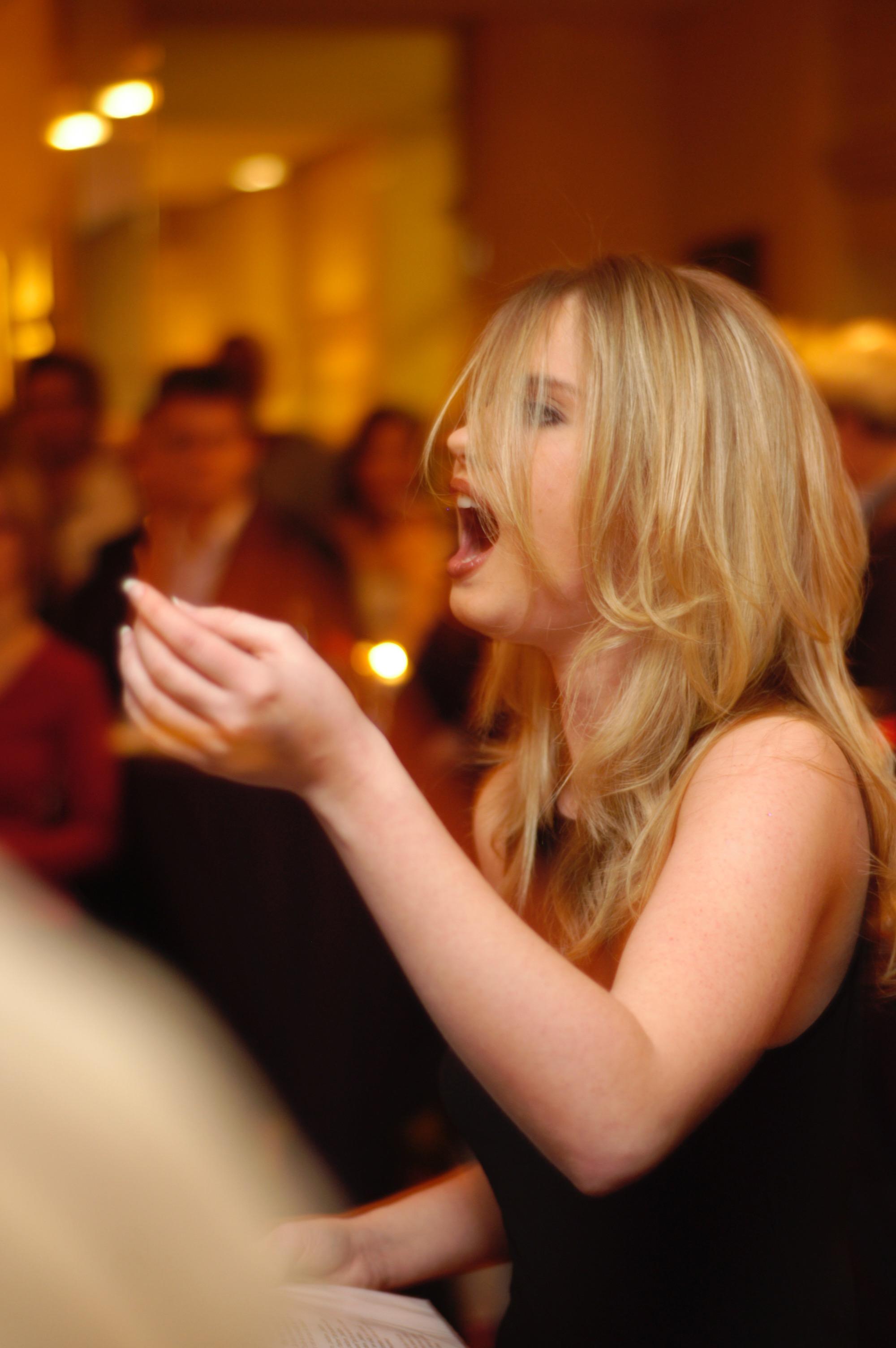 Julia bei einem Konzert