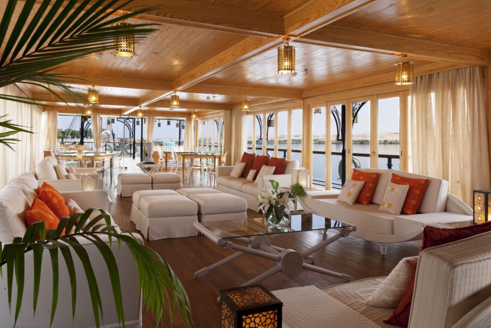 Zoom-Vacatons-luxury-cruise-Egypt-ZeinNileChateau-SUNNING.jpg