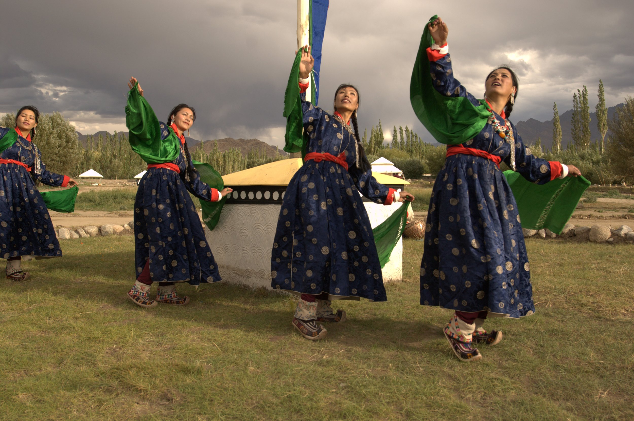 local-folk-dance-01_highres.jpg