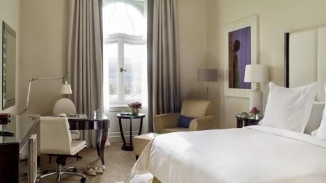 Gresham Palace Hotel - Danube River-View Room