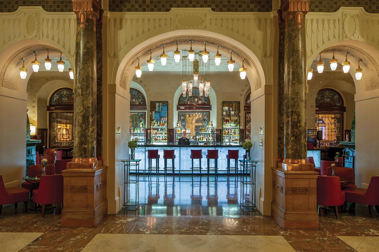 Lobby Bar_1.jpg