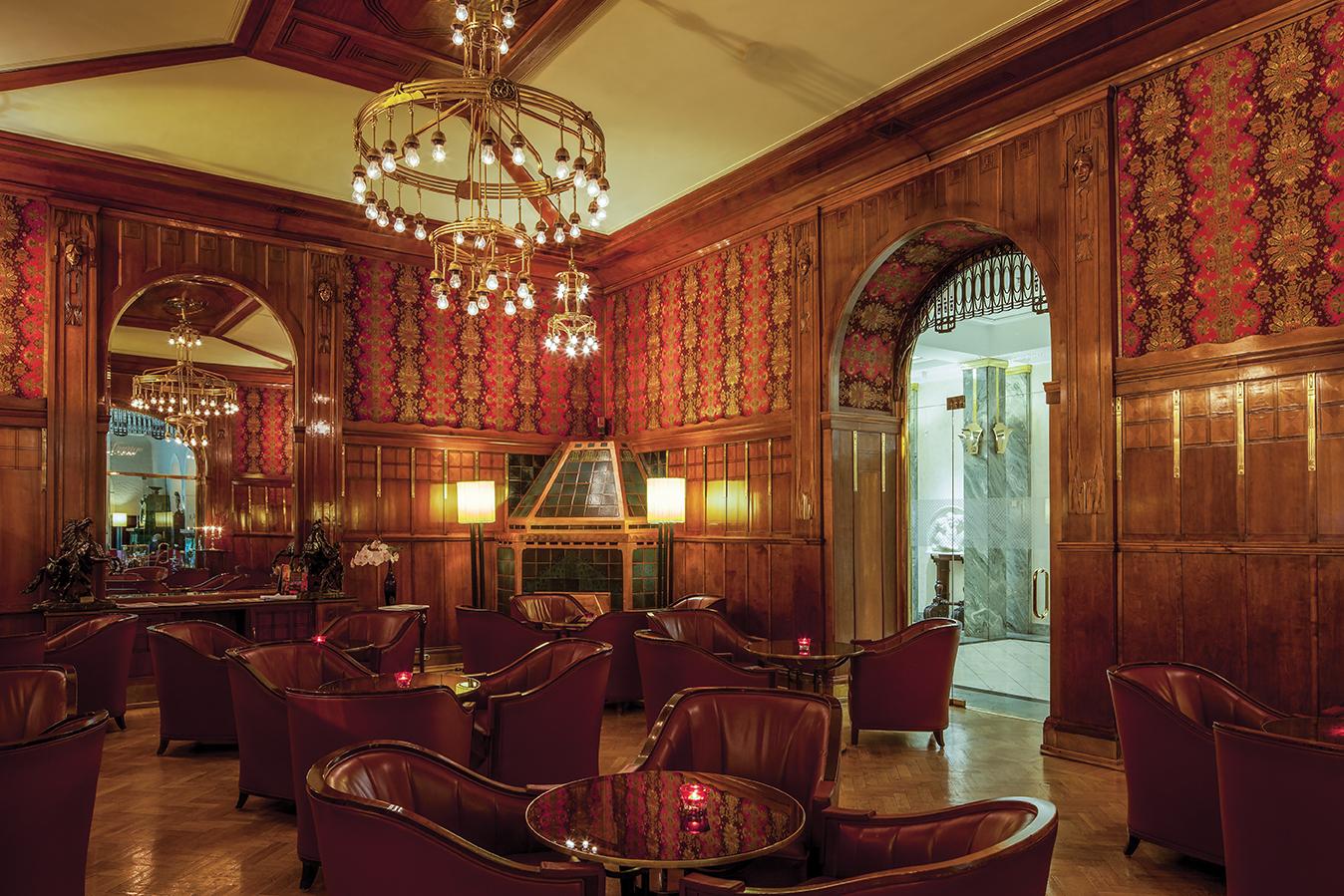 Lobby Bar_4.jpg