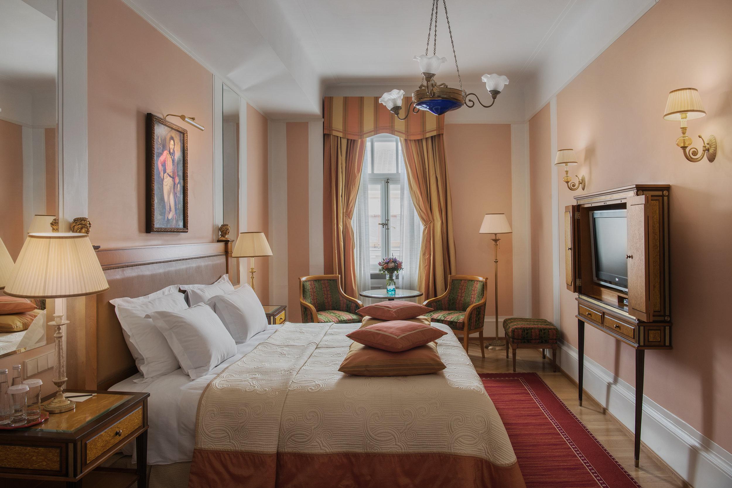 One Bedroom Suite_bedroom.jpg