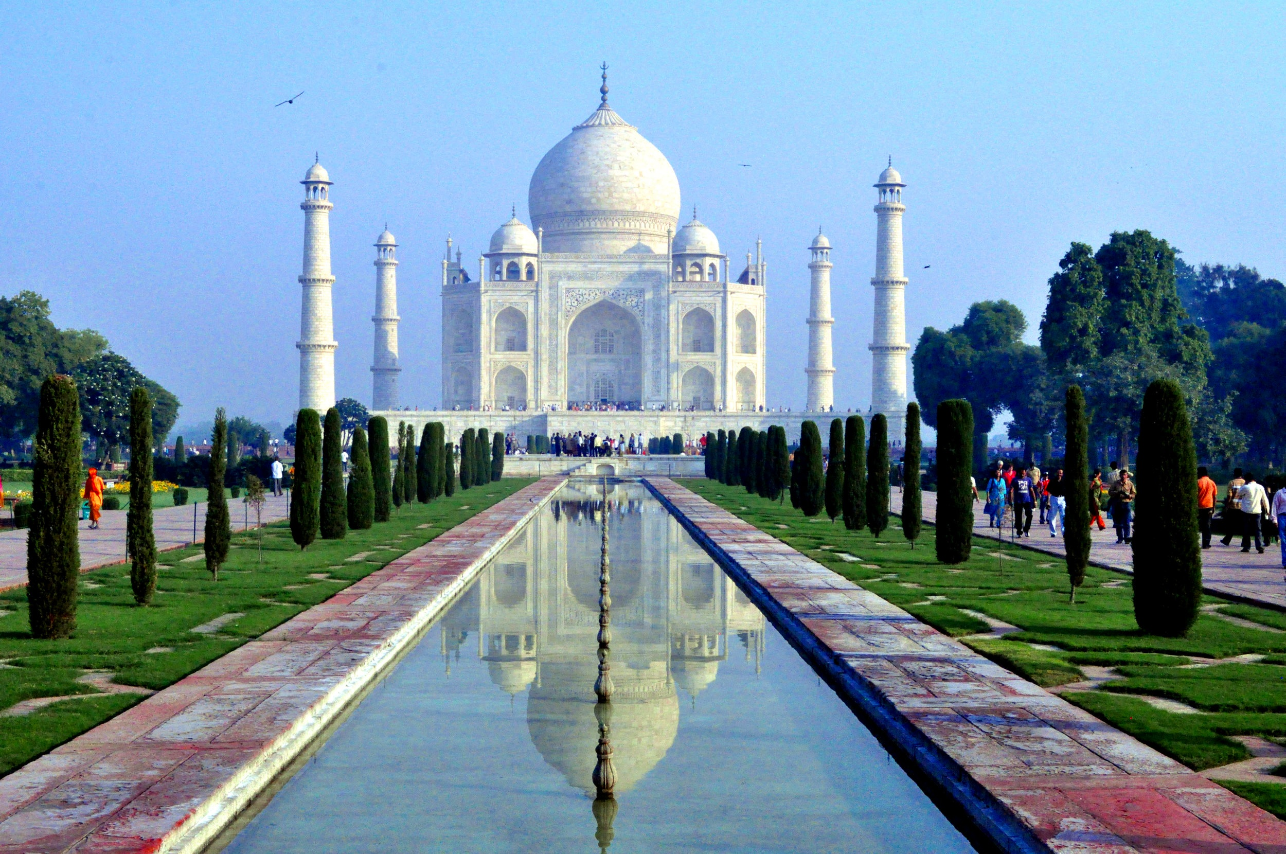 Zoom India - Travel like a Maharaja during our 5 star trip through India! Visit the Taj Mahal and famous cities like Delhi, Mumbai, Veranasi, Udaipur, and Jaidpur while staying in literally the best hotels the world, most of them former palaces!