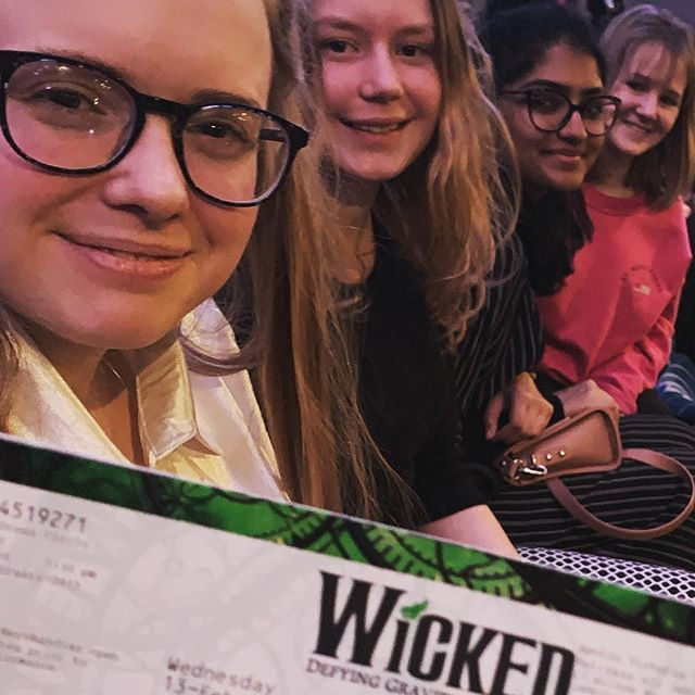 Our London group are at the theatre this evening 🎭🧙‍♀️🧚‍♀️