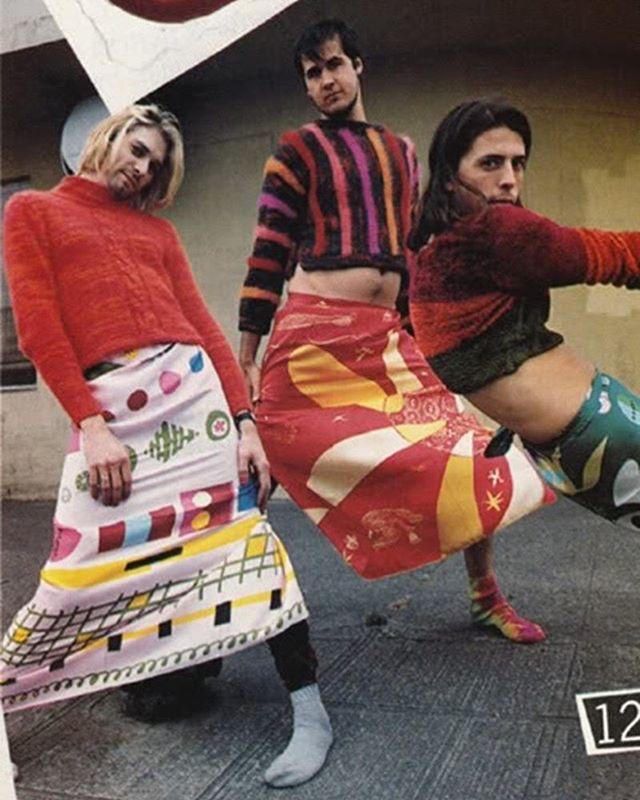 💥Nirvana dressed in Dries Van Noten. Flaunting their irreverence to gender conventions in 1993 through some exceptional 90s DVN textile prints. Feature in Mademoiselle magazine shot by Stephane Sednaoui.