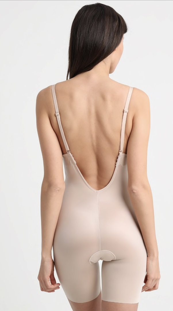 2eb463922df 5 ways to wear a bra with a backless wedding dress — A R C H I V E 1 2