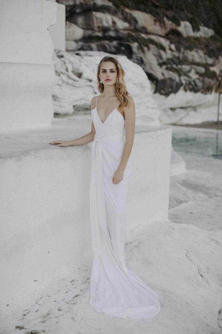 PLAIN SIMPLE WEDDING DRESS IRELAND