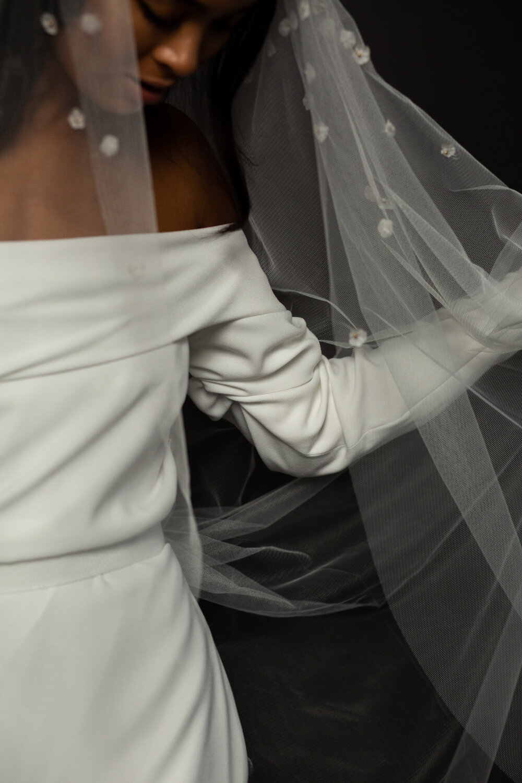modern styled bridal shoot with BON BRIDE BB:05