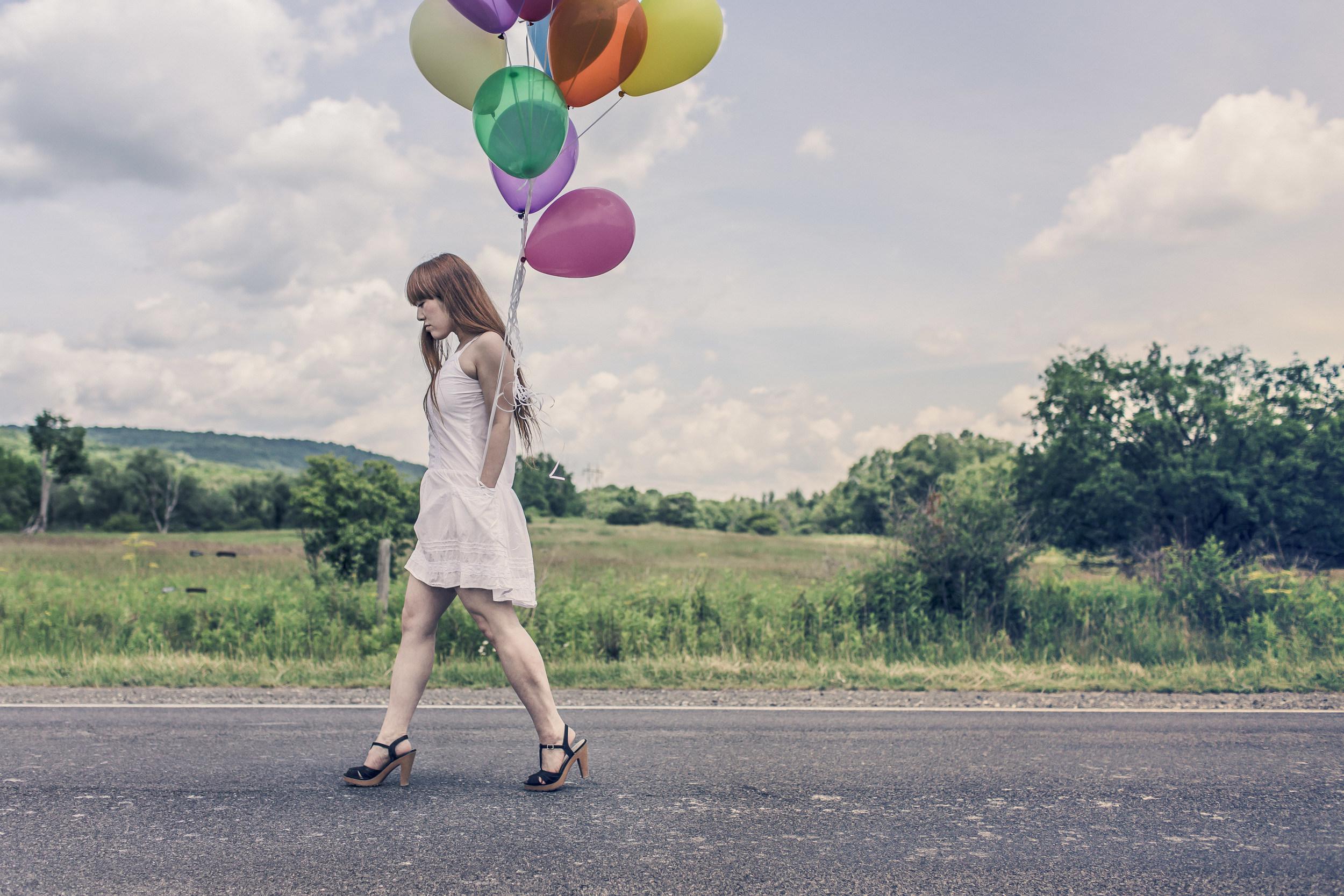 girlwithballons.jpg