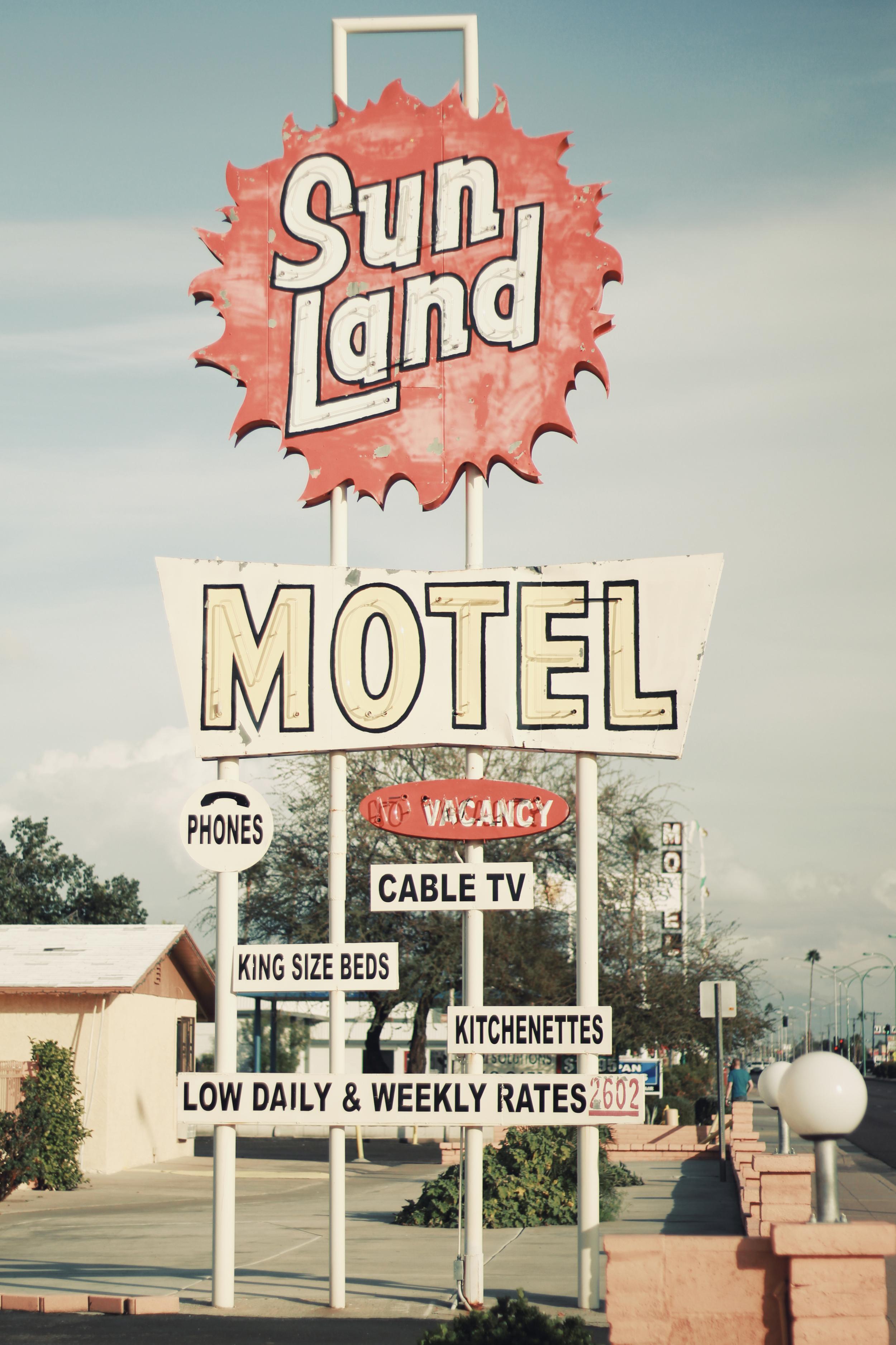 Sun Land Motel.jpg
