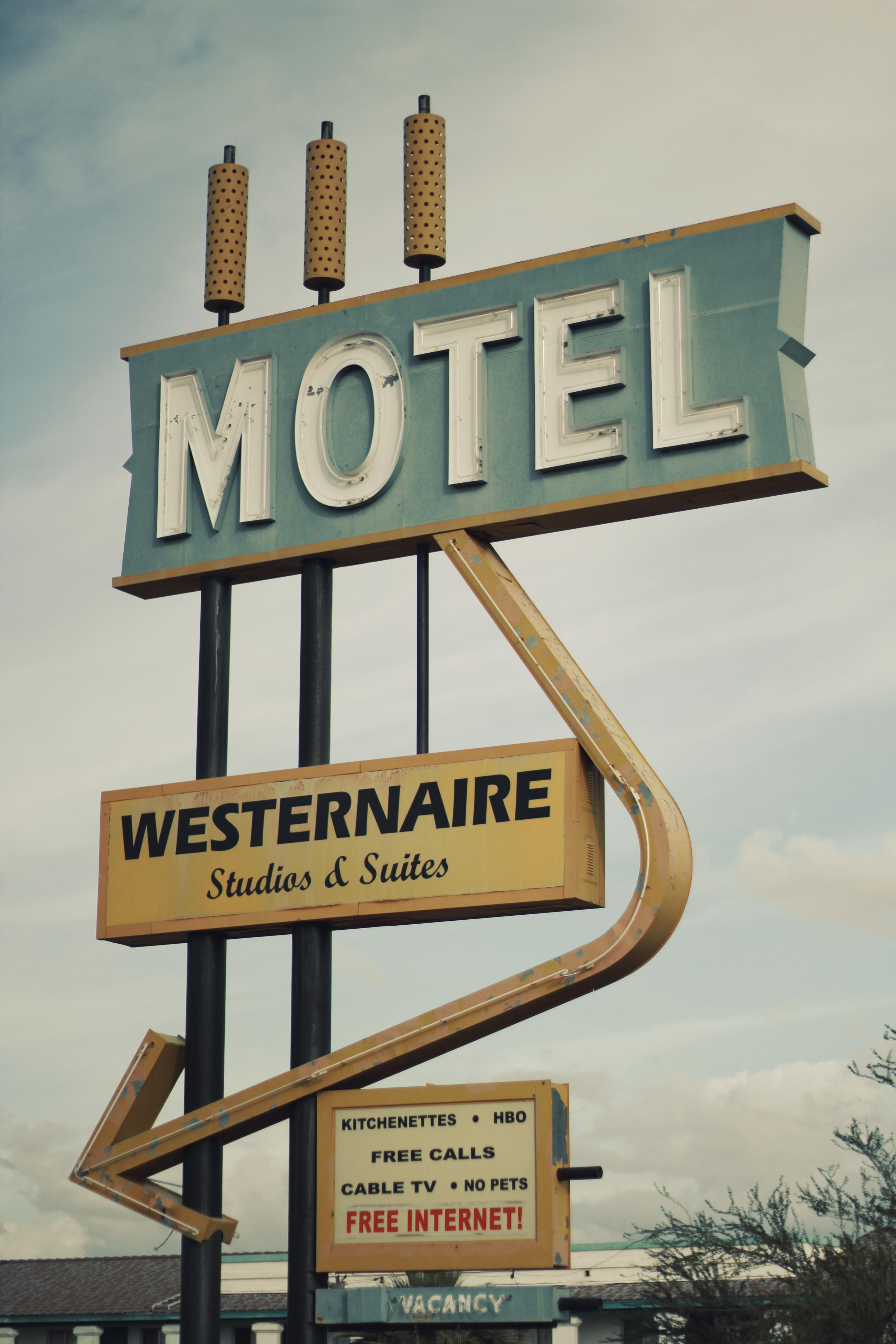 Westernaire Motel.jpg