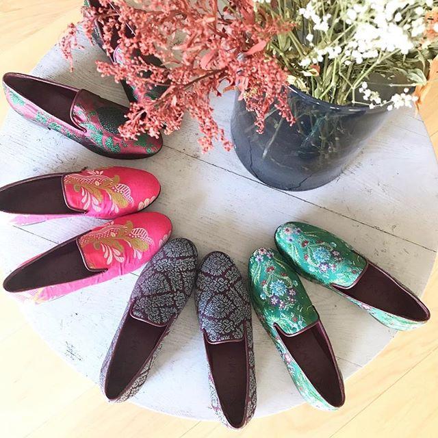 Brocade Kilims by @kilimsby made with vintage Fallera dresses 🔝 . . . . #mychicatelier  #handmade #artesanos #shoponline #artisans #hechoamano #zapatos #shoes #zapatos #moda #fashion  #instafashion  #picoftheday #friday #instagood #fashiondesigner #fashiontrends #style #musthave #aw18 #ss19 #tendencias #trends #fashionista #moda #fashion #latincurated #emergingdesigner #diseñadoresemergentes #slippers #kilim #fallas #fallas2019