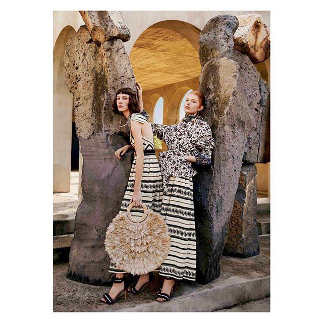 Raffia Trends for SS2019 by @ullajohnson 💕 . . . . .  #mychicatelier #raffia #bolsosartesanos #tendencias #trends #ullajohnson #clothing #newyork #madeinnyc #madeinnewyork #emergingdesigner #cool #musthave #shoponline #brandswelove #fashion #moda #diseñadoremergente #emergingdesigner  #nyc  #picoftheday #monfay #ss2019 #picoftheday #instafashion