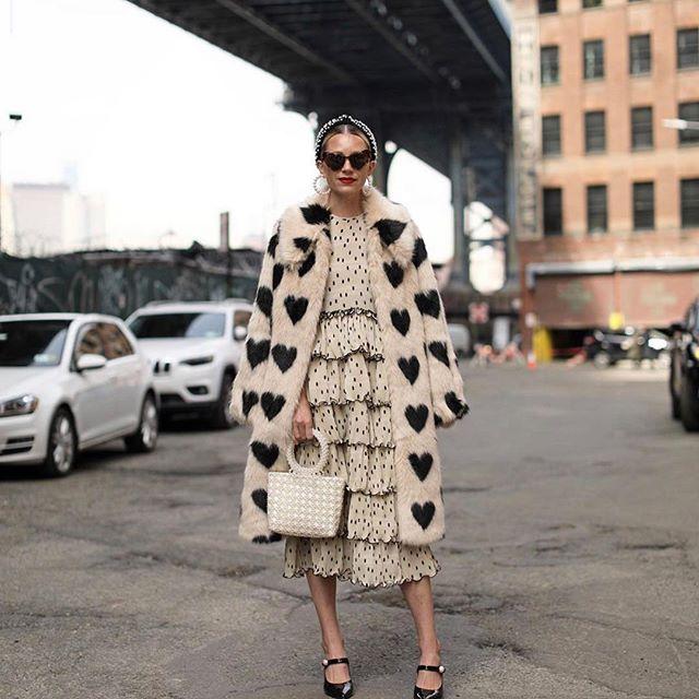 STUNNING ❤️ Stylish @blaireadiebee ❤️ . . . .  #bloggerwelove #streetstyle #fashionconsultant #fashion #moda #bloggers #instafashion #fashionphotgraphy #photographer #ny #neyyork #madeinny #trends #tendencias #picoftheday #curatedfashion #fashionista #fashionblogger #tuesday #outfit #blogger #bloggerstyle #stylist #streetstylephotography #mychicatelier #instafashion #emergingdesigner