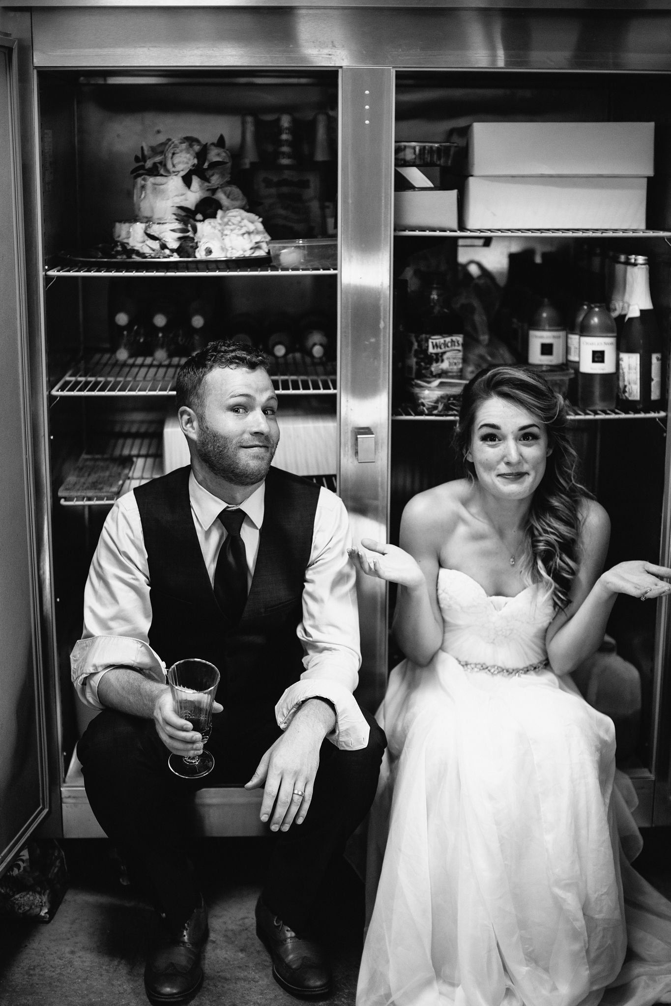 bride and groom cooling off