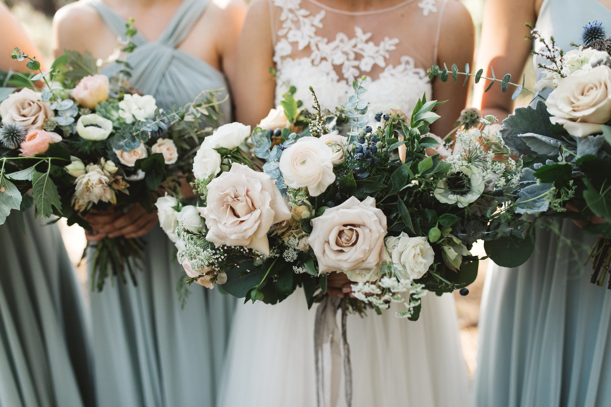 dusty blue wedding colors