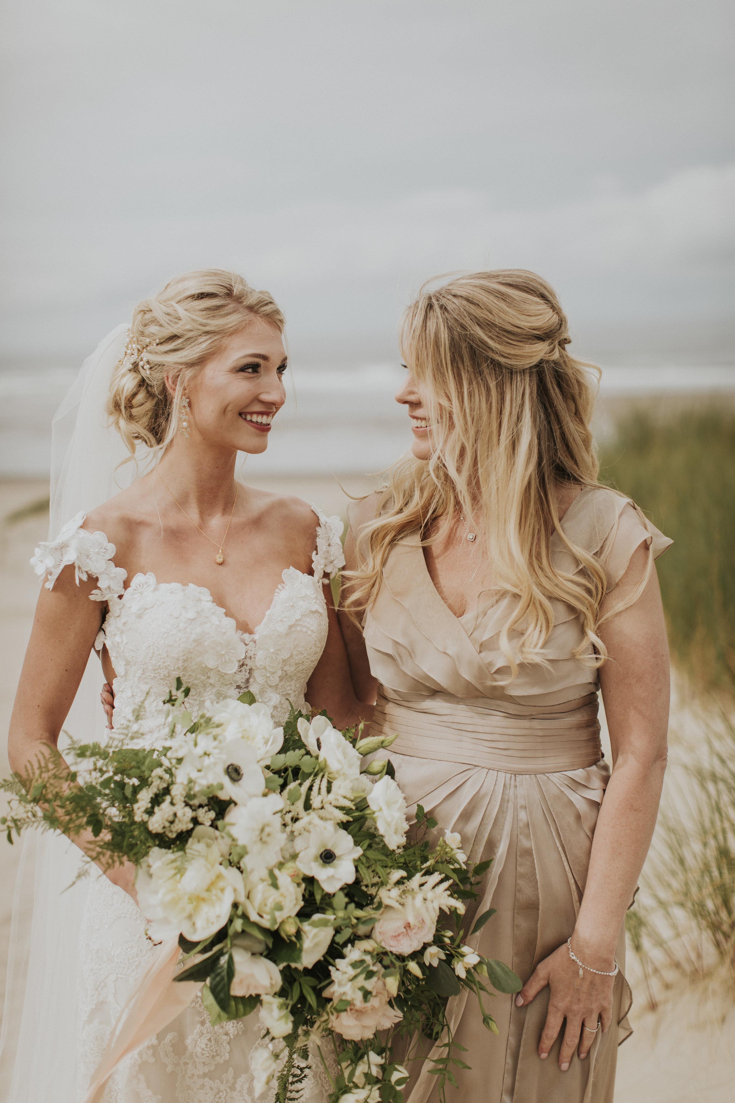 organic free flowing cascade bridal bouquet