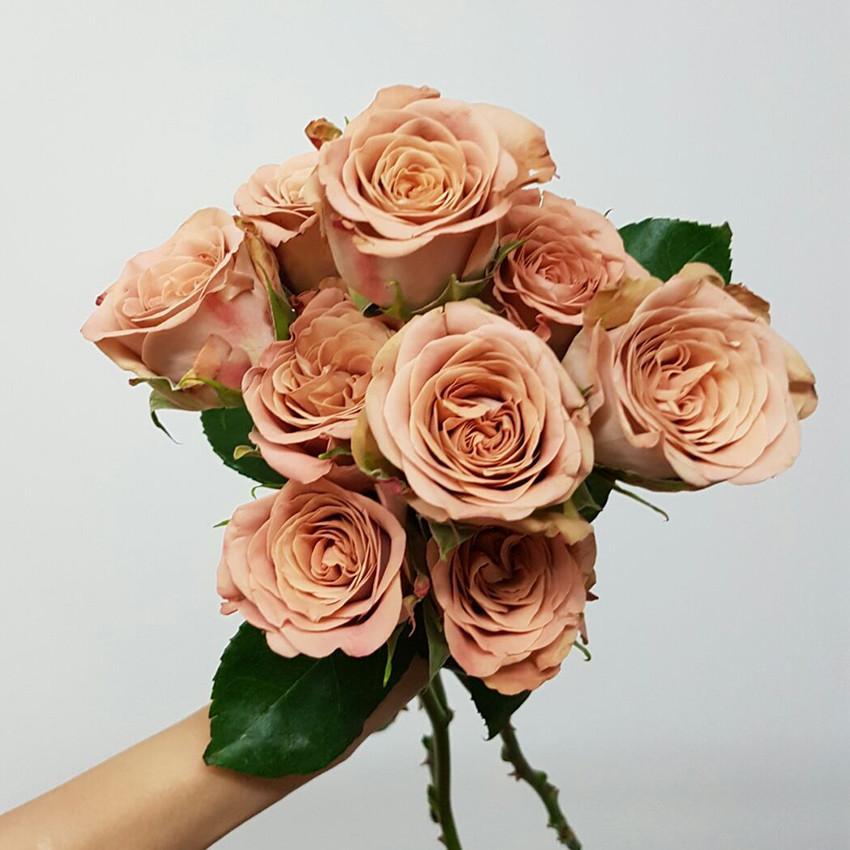 romantic flowers bridal bouquet