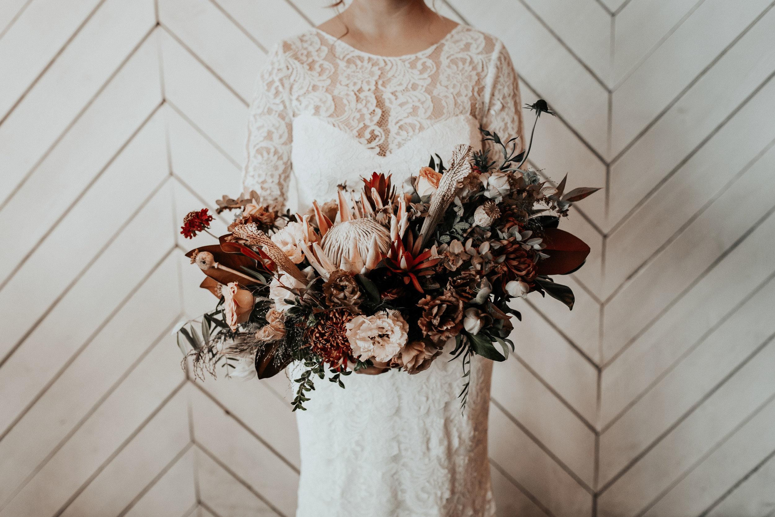 unique, lush, boho, modern bouquet