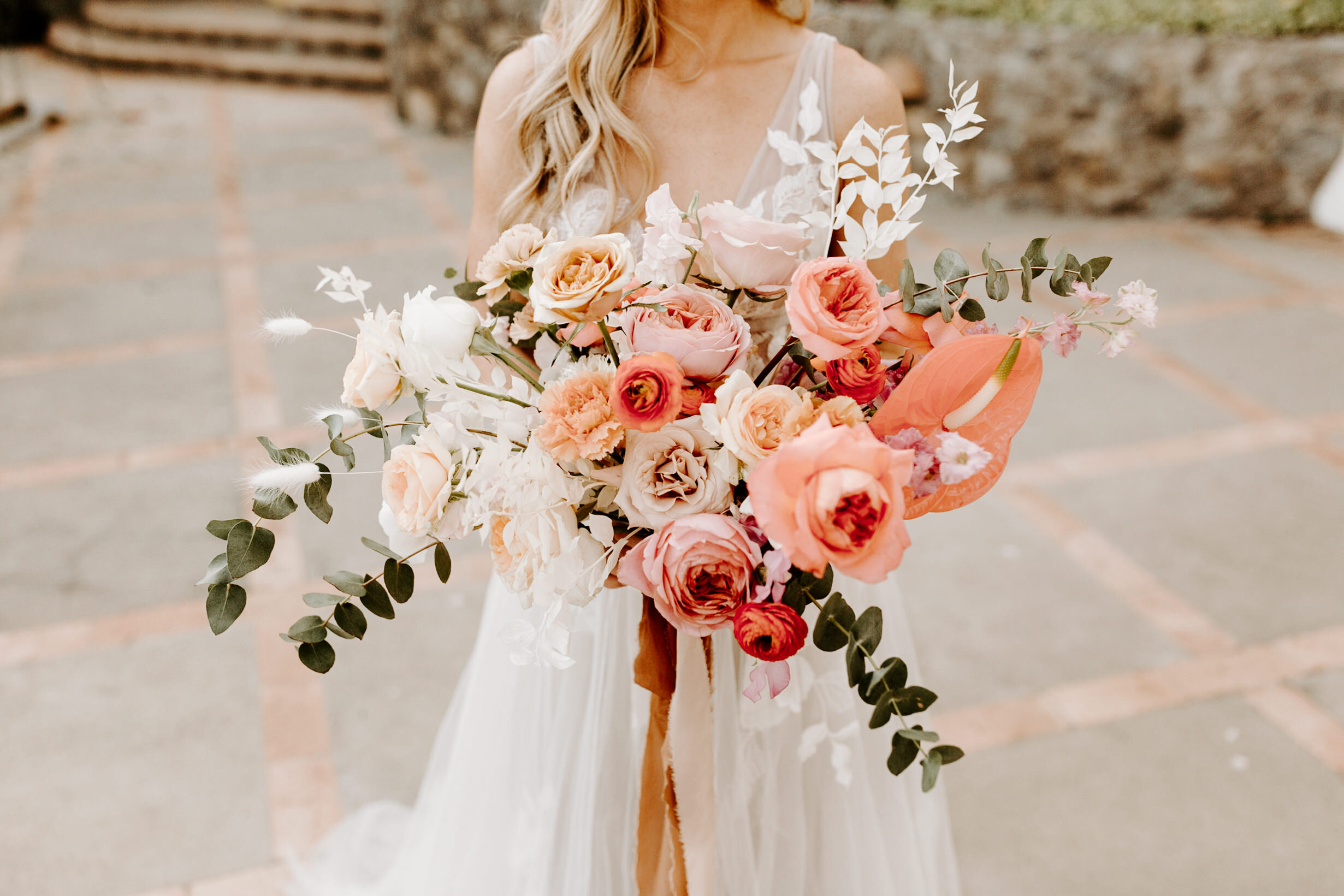 lush, romantic, bright and modern bridal bouquet