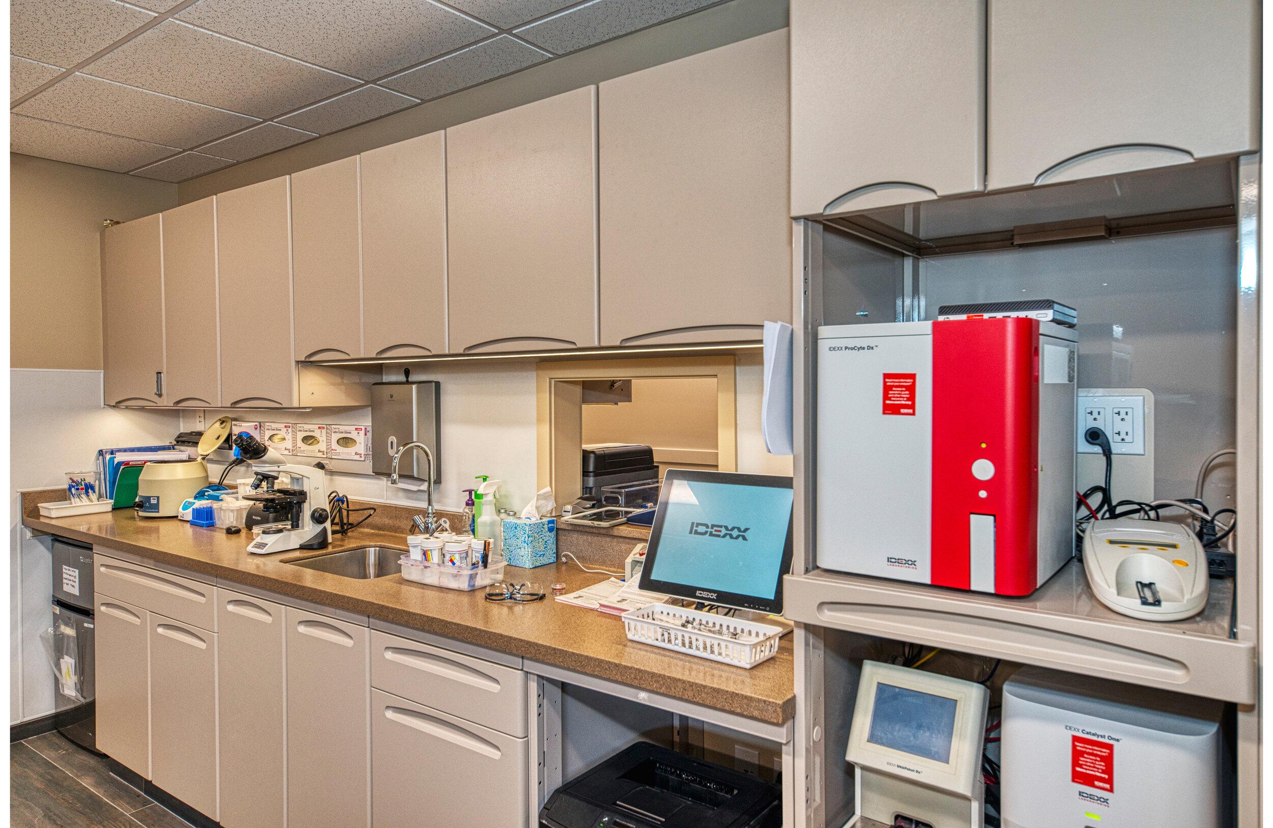 GilbertsvilleVeterinaryHospital_Laboratory.jpg
