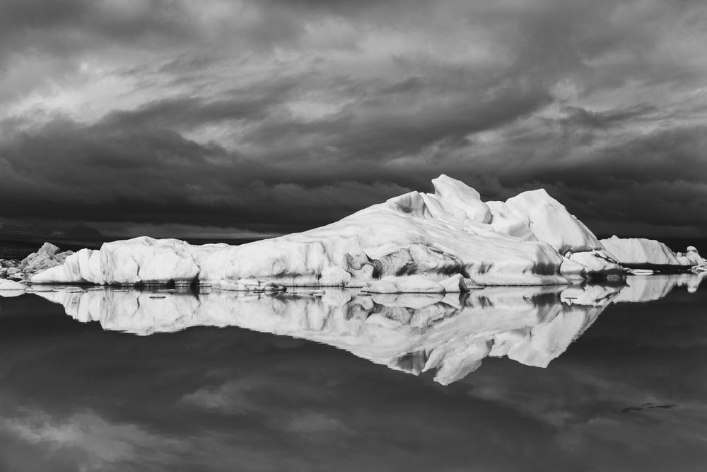 iceland-elopement-photographer-062.jpg