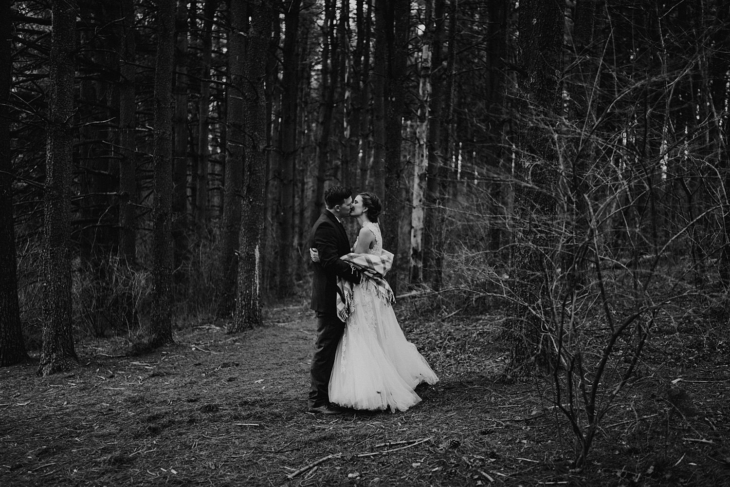 woodsey-elopement-_008.jpg