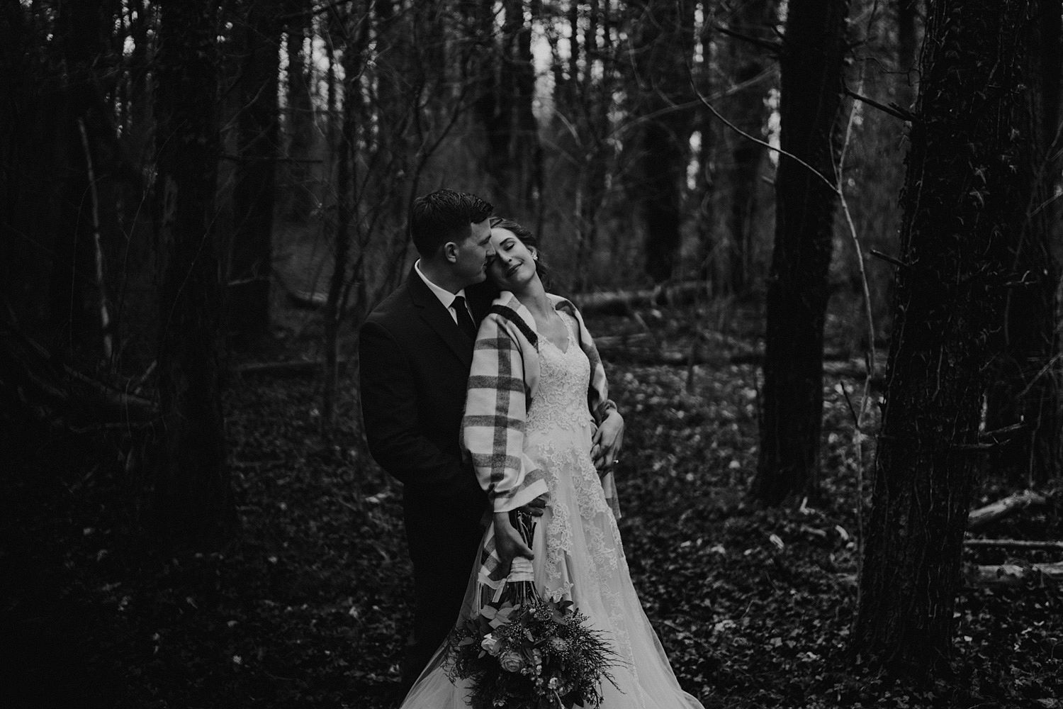 woodsey-elopement-_022.jpg