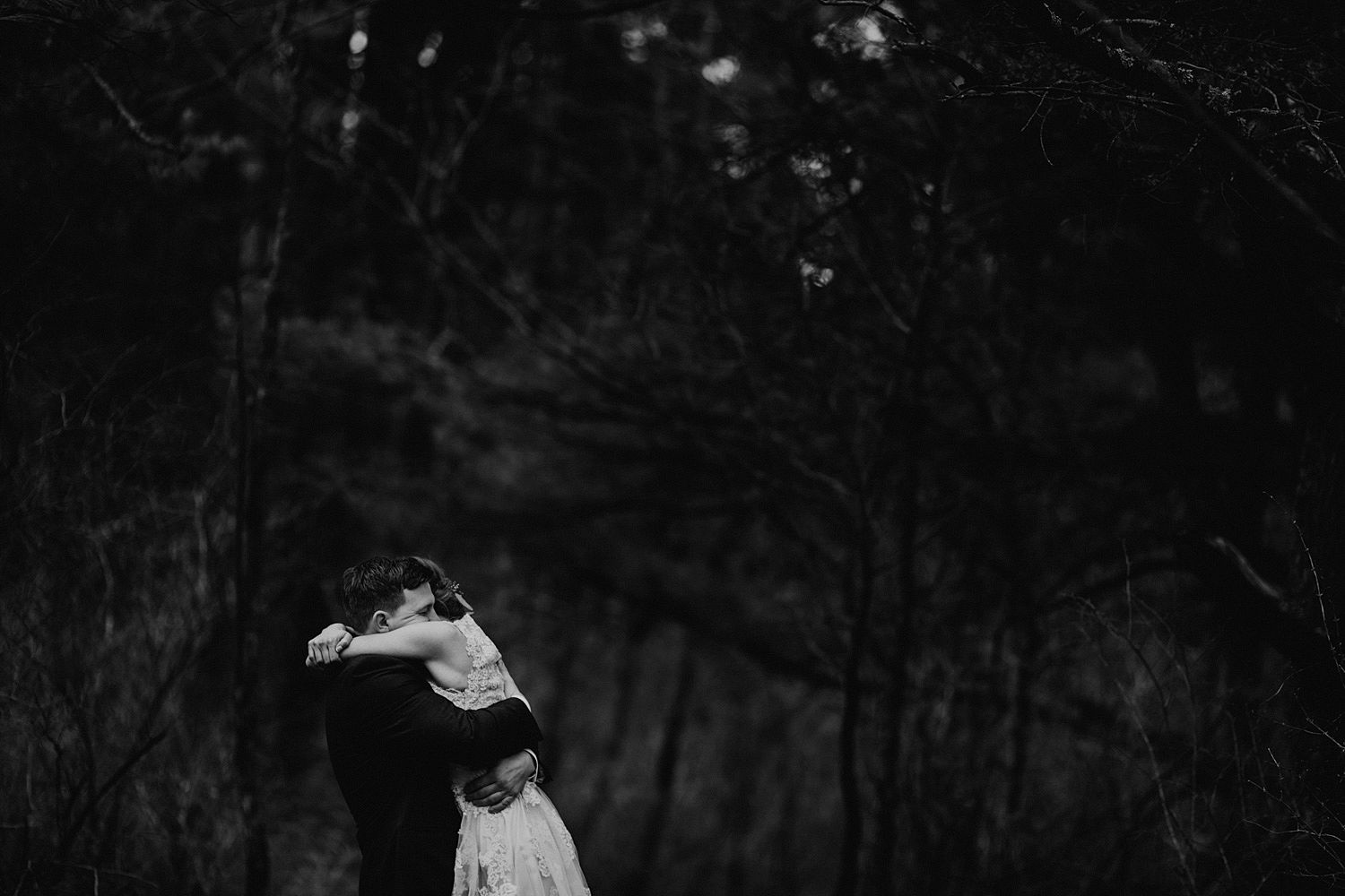 woodsey-elopement-_049.jpg